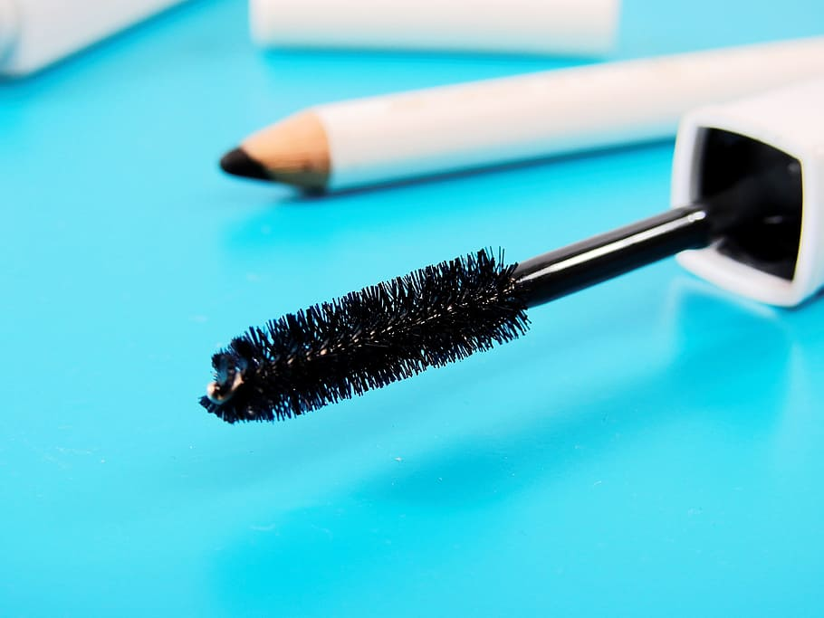 removing waterproof mascara without makeup remover